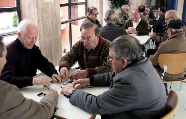 Para jubilarse con la pensión máxima a los 65 habrá que cotizar 38,5 años