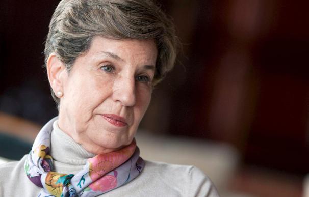 """Isabel Allende dice su padre murió """"por propia decisión"""" como """"un gesto de dignidad"""""""