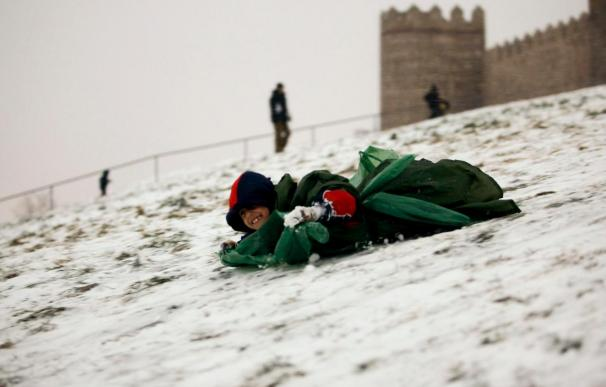 Remiten las nevadas y las lluvias en la península