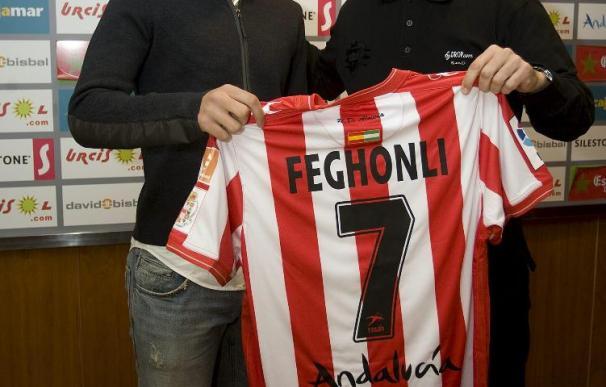 Feghouli dice que entrenar con Joaquín o Vicente le ha ayudado mucho