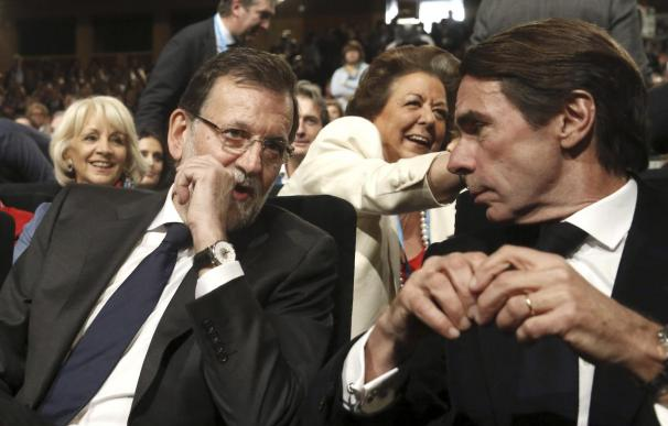 """Aznar garantiza que responde de todos sus actos """"desde el primero al último"""""""