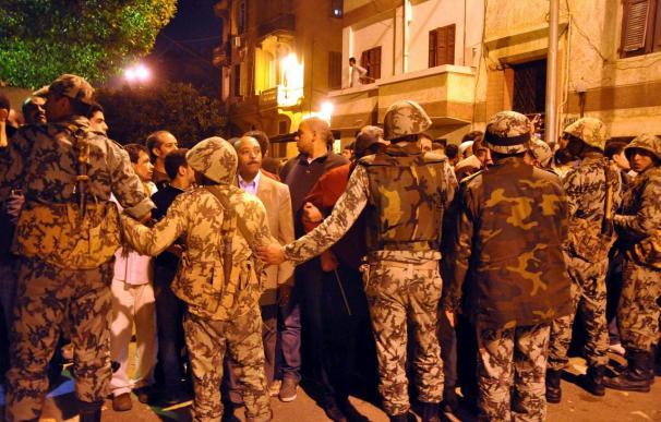 Condenan a un bloguero a 3 años de cárcel por insultar al Ejército egipcio