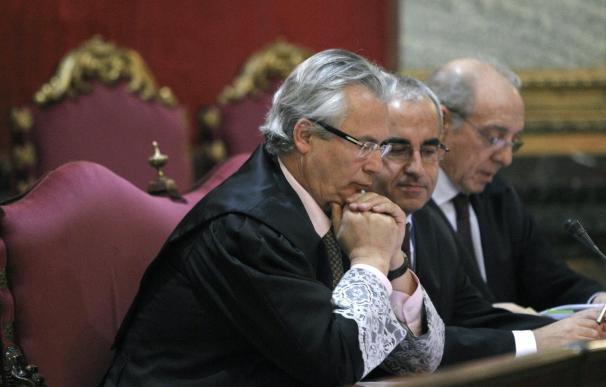 Los querellantes piden que Garzón sea acusado de extorsión con pena de cárcel
