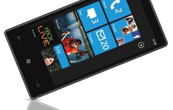 Microsoft reconoce que Windows Phone nació para competir con iPhone