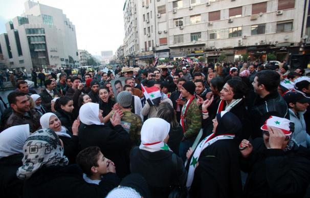 El Ejército sirio y los rebeldes mantienen fuertes choques en Damasco