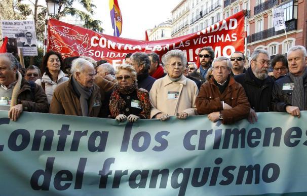 Políticos, sindicalistas y artistas se manifiestan en apoyo de Garzón
