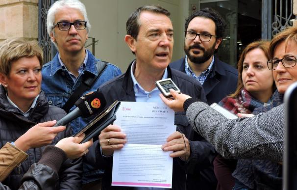"""PSOE señala al PP ante la falta de """"un plan de apoyo"""" al Mercado Central en una carta dirigida a los vendedores"""