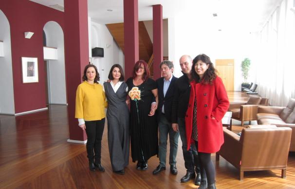 """Ana Fernández y Ángles Blancas acercan al Calderón la lucha por """"evitar la oscuridad"""" de la """"soledad"""" en 'La Voz Humana'"""