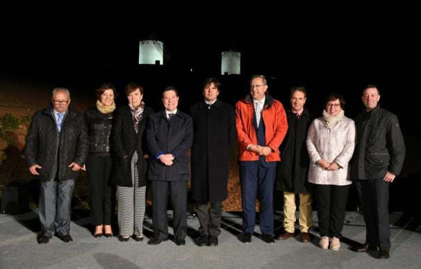 Junta instalará iluminación artística en todos los molinos de viento de Castilla-La Mancha como reclamo turístico