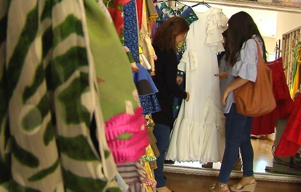 Vestirse de flamenca para la Feria de Abril puede costar de media entre 500 y 900 euros