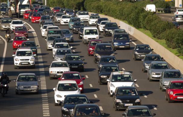 Un atasco de vehículos en las carreteras españolas.
