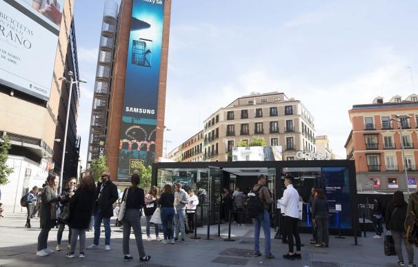 """Samsung monta un espacio en el centro de Madrid para ofrecer un """"universo de experiencias"""" alrededor del Galaxy S8"""