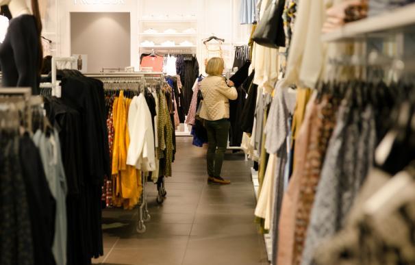 Las ventas del comercio minorista vuelven a terreno positivo tras aumentar un 2,6% en marzo