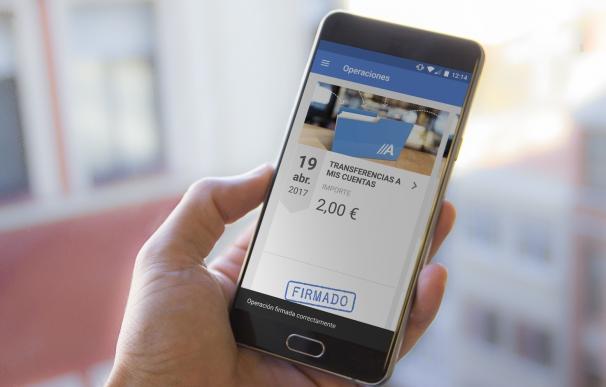 Abanca lanza una aplicación para móviles para simplificar operaciones de empresas