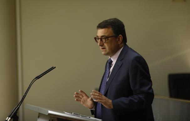 El PNV no presenta enmienda de totalidad contra los Presupuestos tras hablar con Rajoy pero aún no tienen un pacto