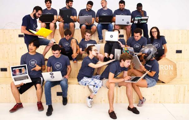 La escuela de programadores Ironhack lleva su método de enseñanza a París y abre nuevo campus en Madrid