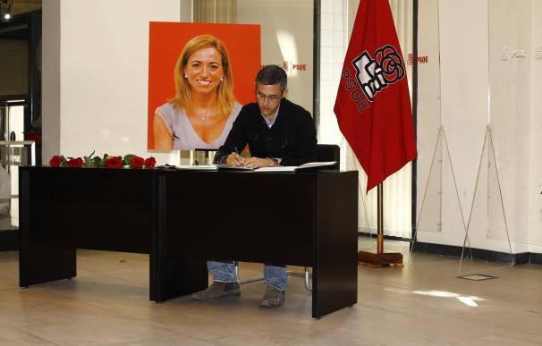 Abierta al público en la sede del PSOE la capilla ardiente con los restos mortales de Carme Chacón