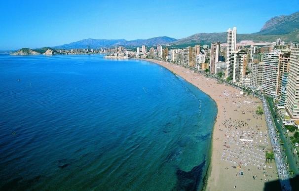 Los hoteles de costa prevén superar el 62% de ocupación en la Inmaculada, con picos de hasta el 95% en Benidorm