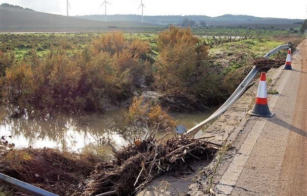 Diputación aportará 180.000 euros a Vejer, Conil y Barbate para obras de emergencia tras el temporal