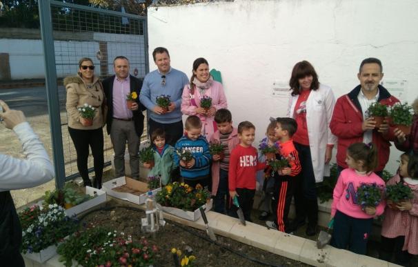 El colegio Martín Peinado de Cazalilla crea un huerto escolar con el programa 'Recrea en verde'