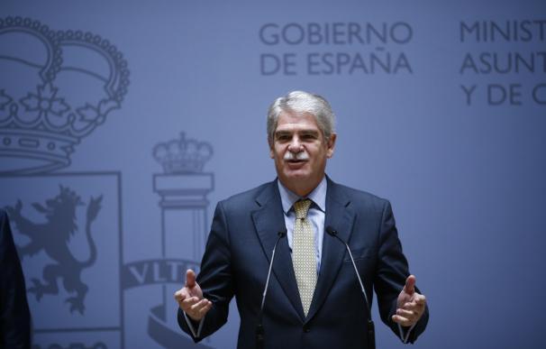 Dastis cesará en bloque a los embajadores que prorrogó Margallo pese a haber cumplido la edad de jubilación