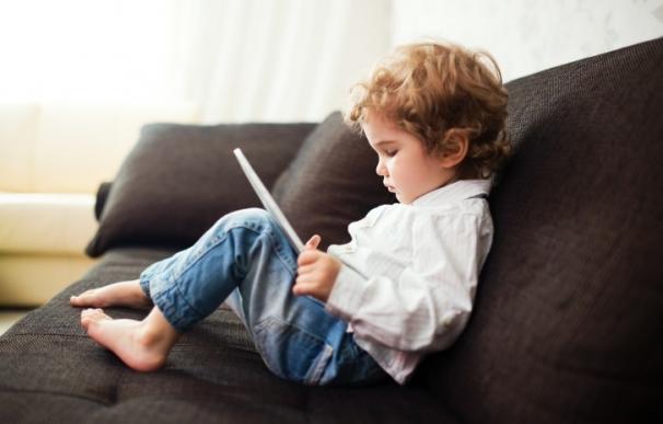 El 80% de los padres no saben cómo controlar el uso que sus hijos hacen del móvil o la tablet
