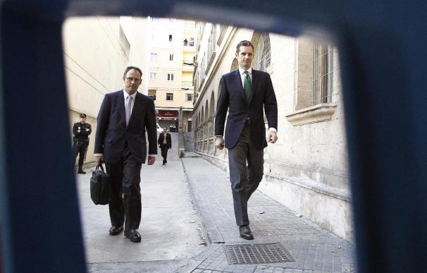 El Ayuntamiento pide que Urdangarin deje de usar el título de duque de Palma