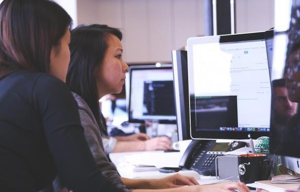 (Amp) Más de dos millones de jóvenes se han beneficiado de las medidas laborales para impulsar el empleo joven