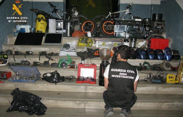 Detenido en Puente Genil (Córdoba) un varón acusado de 12 robos de objetos por valor de más de 30.000 euros