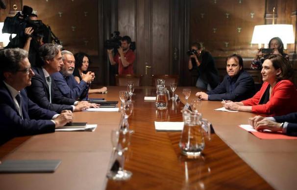 Colau pide al comité de Eulen a actuar con responsabilidad en el conflicto de El Prat