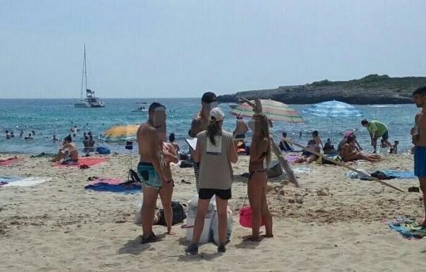 Cerca de 25.500 personas informadas sobre el abandono de residuos en las playas naturales de Baleares