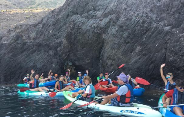 Junta encargará un estudio de capacidad de carga sobre las empresas de kayak en Cabo de Gata