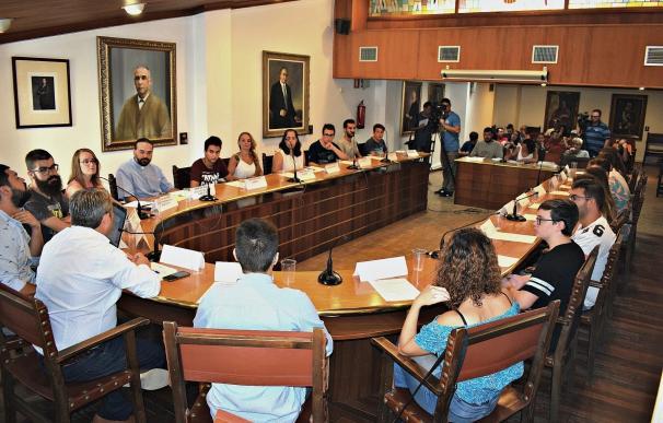 El primer pleno joven de Inca acuerda la creación del Consell Municipal de la Juventud