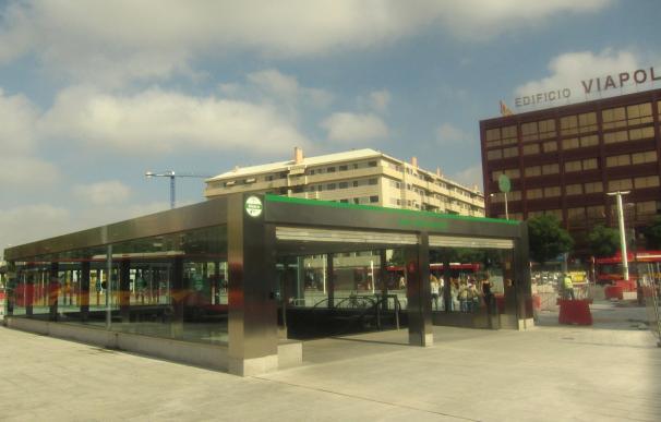 Junta hará un estudio de alternativas ferroviarias o tranviarias para conectar el aeropuerto con la ciudad