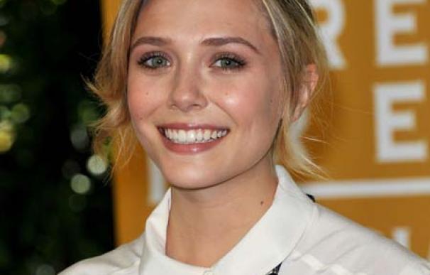 Elizabeth Olsen adora la ropa de la marca de sus hermanas