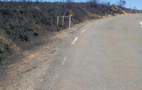 Abierto al tráfico el tramo cortado de la AV-P-514 en el acceso a Hoyos de Miguel Muñoz (Ávila)