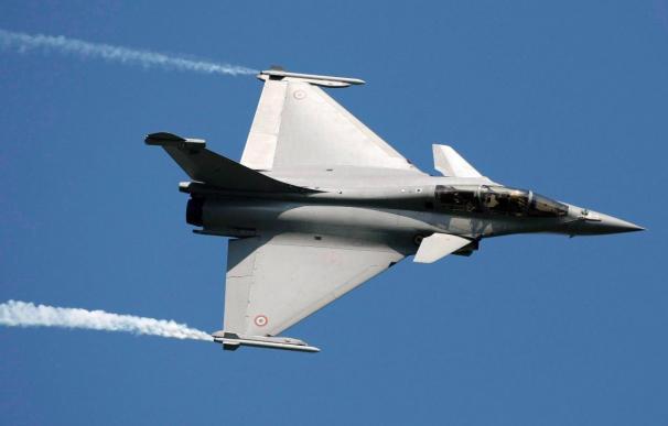 Francia logra un multimillonario contrato en la India a costa del Eurofighter