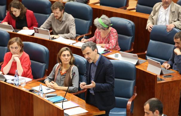 Podemos ratifica la destitución de López como portavoz en la Asamblea de Madrid por solo un voto de diferencia