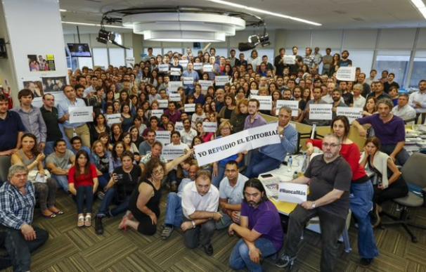 Los periodistas de La Nación, en contra de su artículo editorial