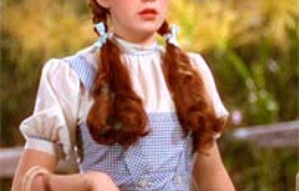 El vestido de Dorothy en 'El Mago de Oz' vendido por 1,46 millones de euros