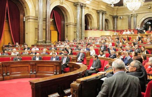 Parlamento-catalan-reglamento-agilizar-independencia_1020809450_127256699_667x375