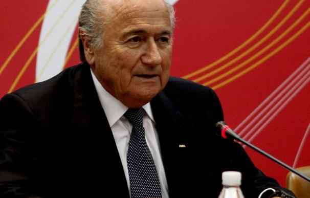 """El presidente del Bayern dice que """"darle el Mundial a Sudáfrica fue un error y Blatter lo sabe"""""""