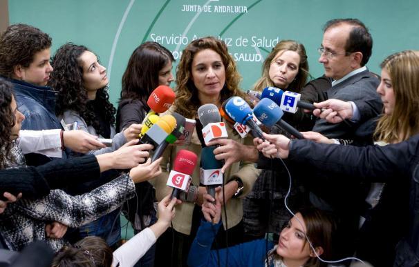 """La Junta de Andalucía expresa su """"orgullo"""" por el trasplante y estudia medidas por filtración de datos"""