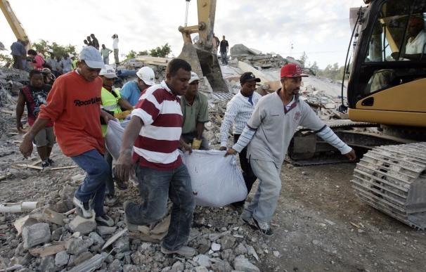 """La colombiana Shakira llama a """"actuar de inmediato"""" en favor del pueblo haitiano"""