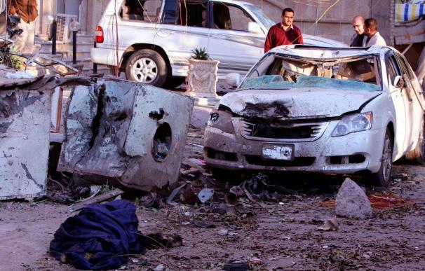 Cinco muertos y 20 heridos en un atentado suicida con coche-bomba en Bagdad