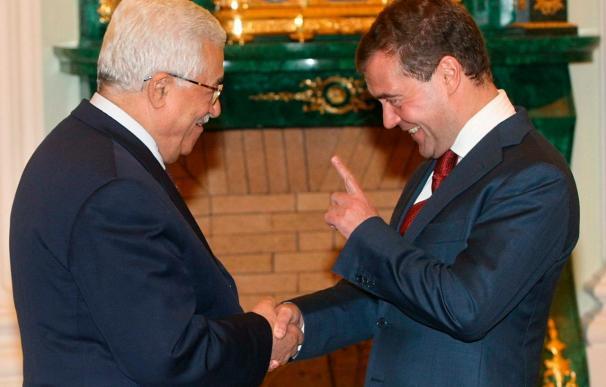 Medvédev y Abás celebran consultas sobre las vías para el diálogo palestino-israelí