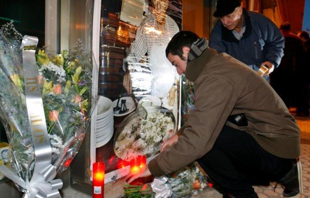 Familiares y amigos recuerdan al cocinero asesinado por ETA en San Sebastián