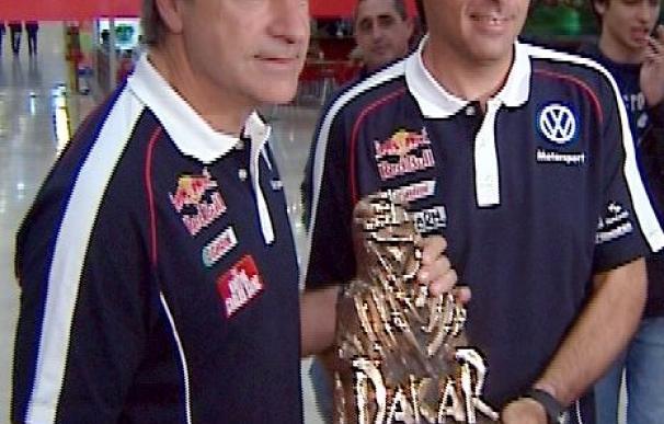 Sáinz y Cruz reciben una placa en el CSD de manos de Jaime Lissavetzky