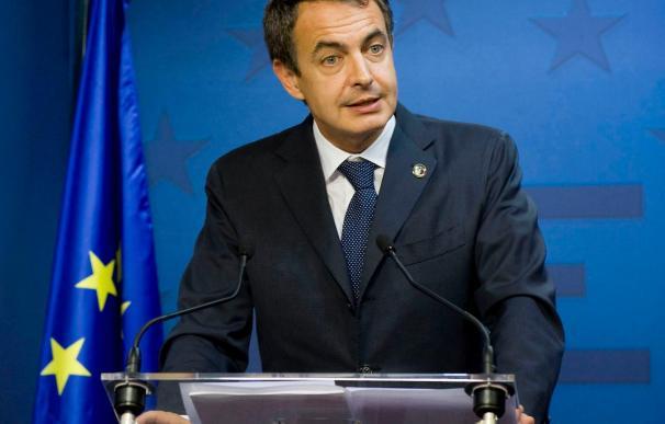 Zapatero trata con González, Delors y Solbes como saldrá la UE de la crisis