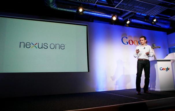 Google presenta el Nexus One, su primer teléfono móvil